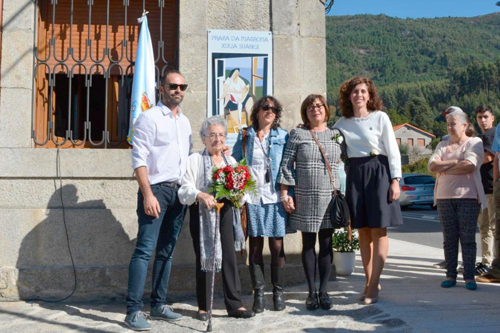 Homenaxe a matrona Xulia Suárez
