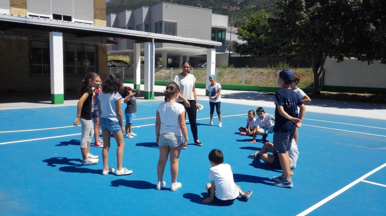 Comeza en Oia un curso de ocio activo e saudable para nenos