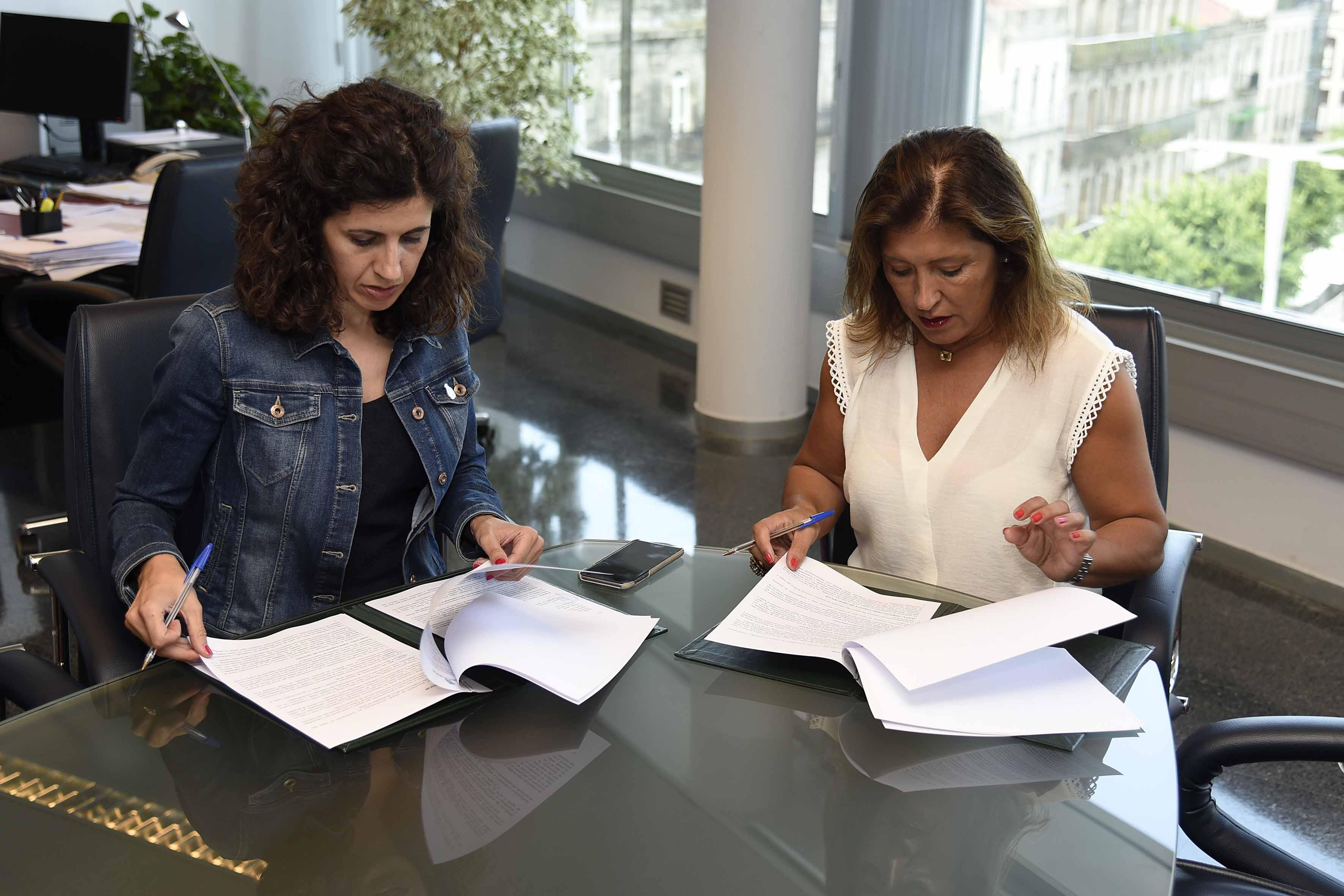 O Concello de Oia firma un convenio de colaboración para acondicionamento do contorno da Casa Consistorial