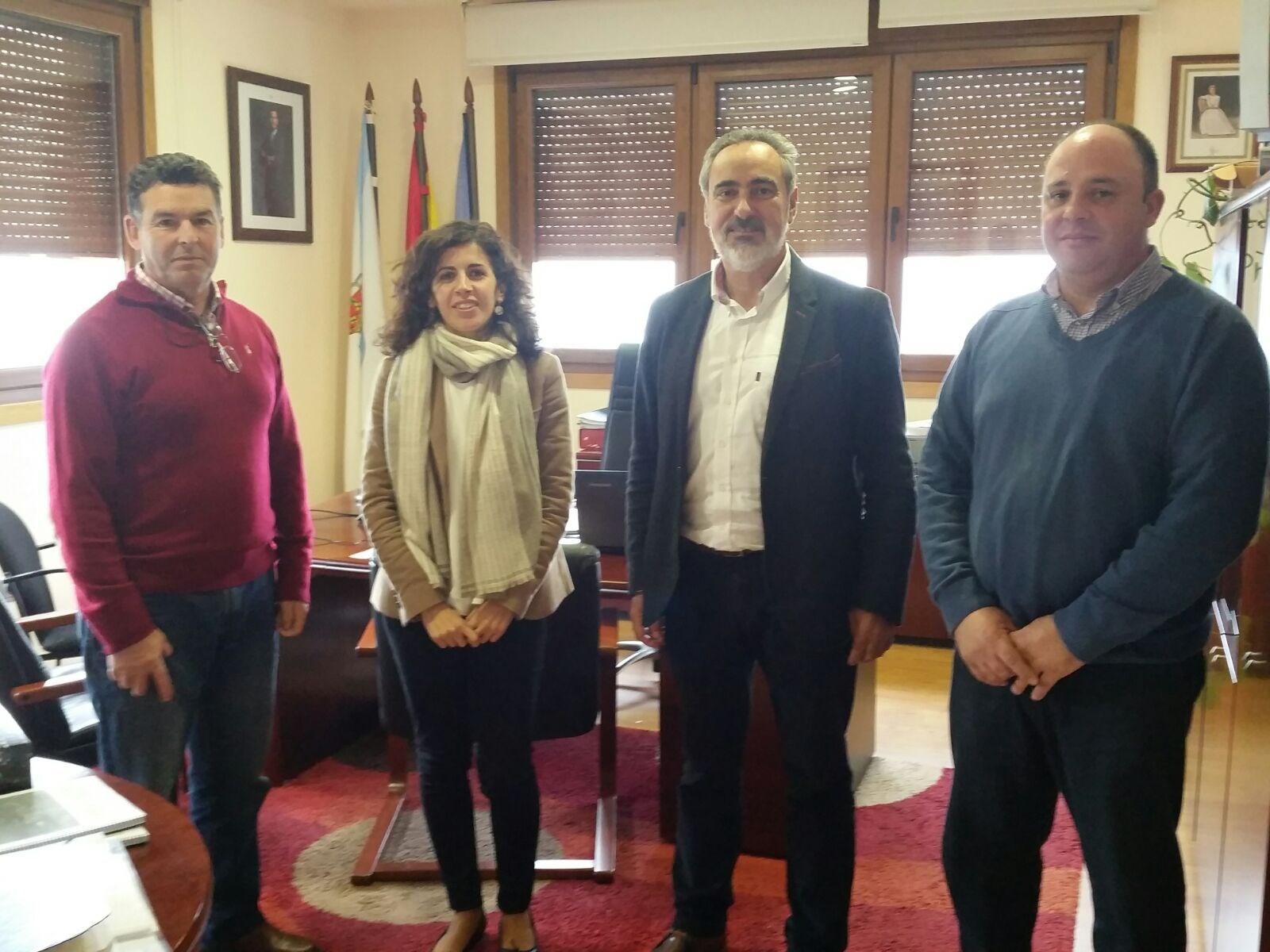 O Concello de Oia recibe a Cores Tourís, para manter un primeiro encontro institucional coa nova alcaldesa, Cristina Correa