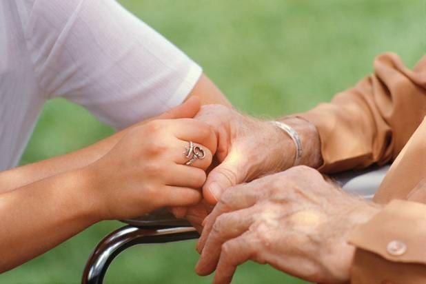 Curso sobre o coidado e apoio de coidadores de persoas maiores