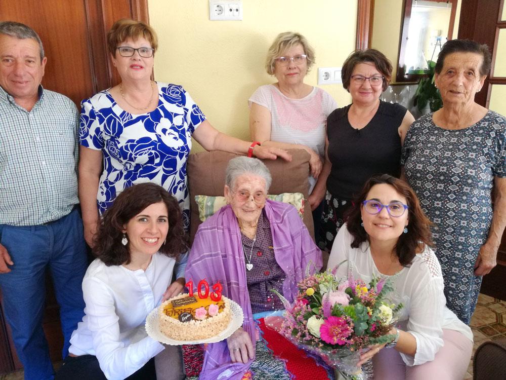 """A """"avoa de Oia"""", Purificación Granja, cumpre 103 anos"""