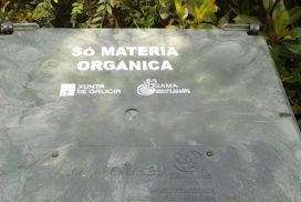 O Concello de Oia reparte 50 novos composteiros domésticos