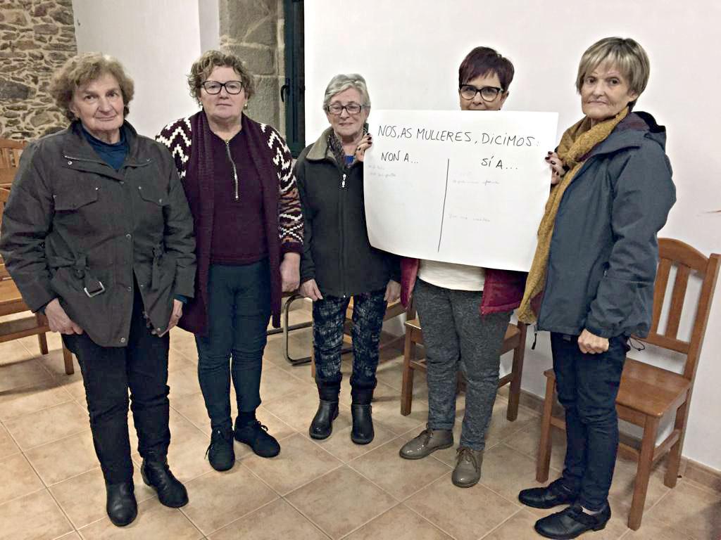Un total de 23 veciñas de Oia participaron no obradoiro de autoestima e empoderamento feminino