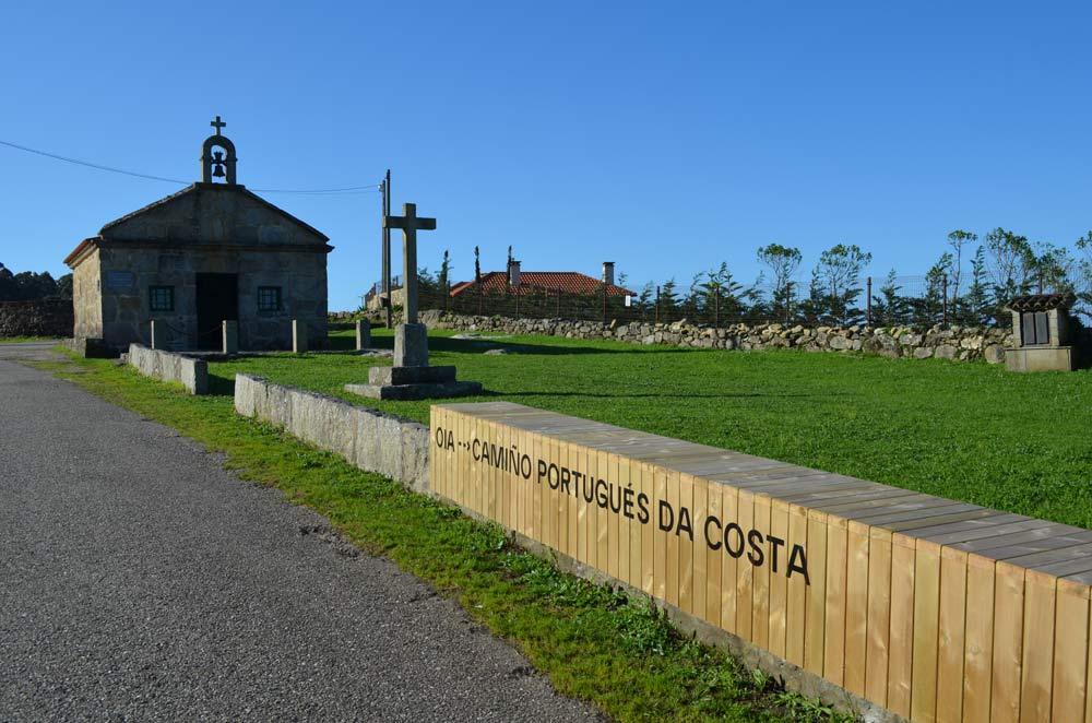 O Concello mellora a contorna da Capela de San Sebastián, entrada do Camiño Portugués da Costa en Oia