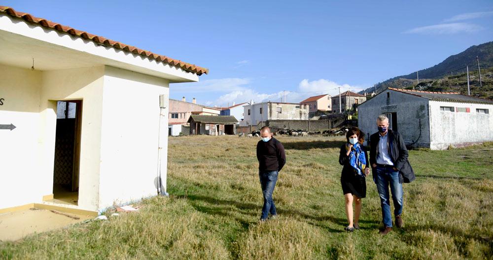O vicepresidente da Xunta, Alfonso Rueda, visitou hoxe os terreos do antiguo cámping de Mougás