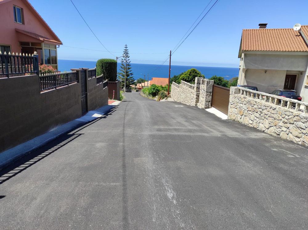 O Concello de Oia acomete melloras en dous camiños das parroquias de Viladesuso e Burgueira