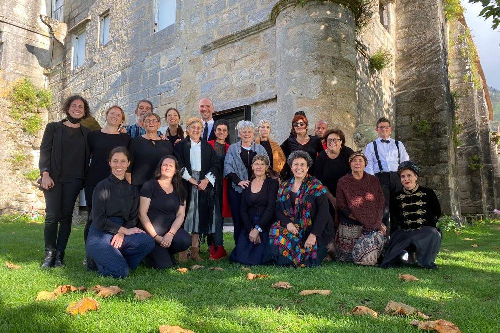Éxito da representación do obradoiro de teatro veciñal no Mosteiro de Oia