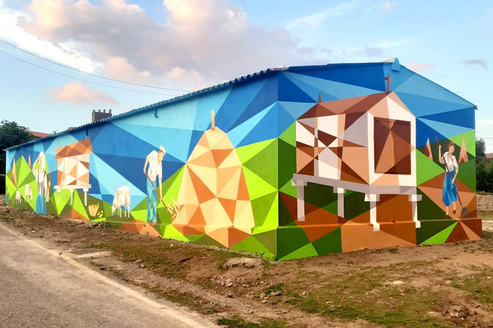 Oia continúa coa súa aposta pola arte mural cun novo traballo de Flix en Torroña